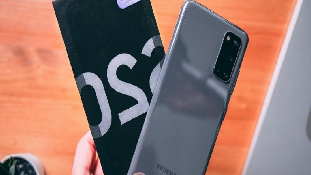 Galaxy S20 kullanıcıları Samsung'u mahkemeye verdi