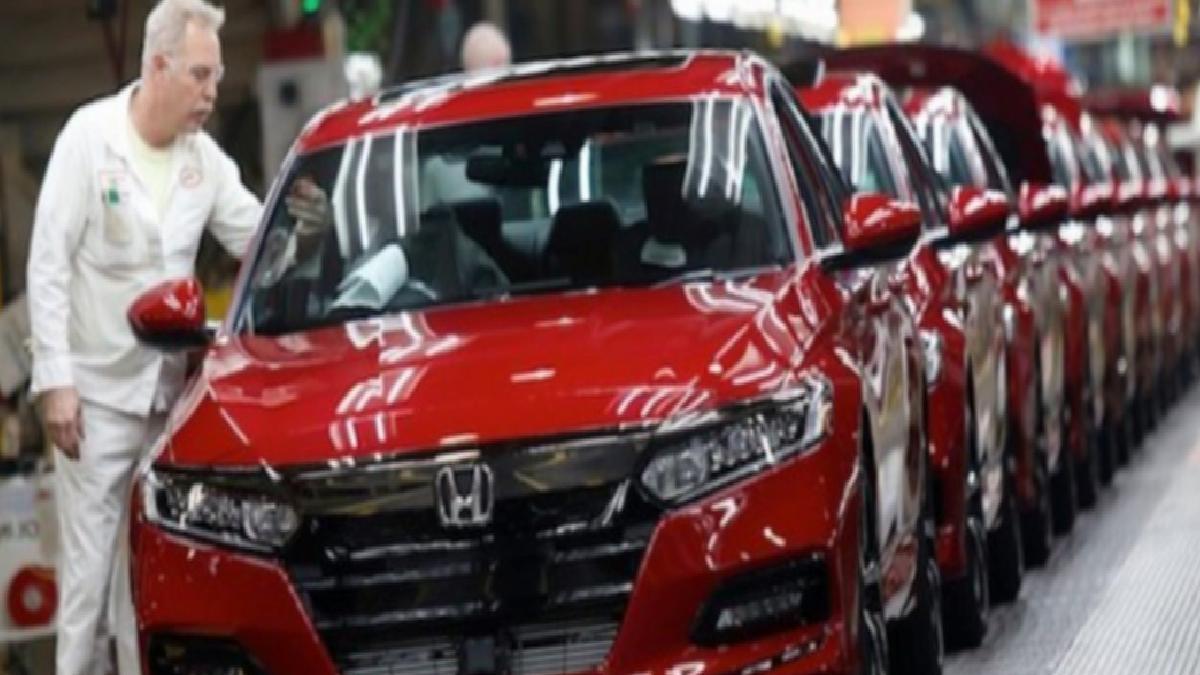 Honda, Japonya'daki üç tesisinde üretime ara veriyor