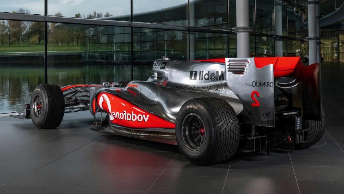 Lewis Hamilton'ın Türkiye GP'sini kazandığı araç satışa çıktı