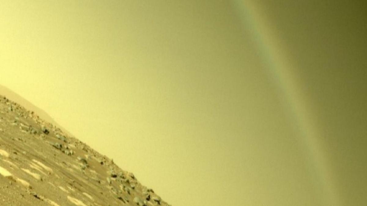 Mars'taki gökkuşağı şekli, sosyal medyayı karıştırdı