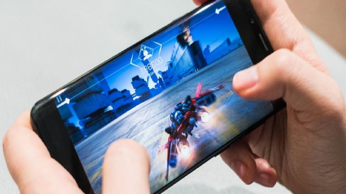 Samsung, ilk oyuncu telefonunu yakında piyasaya sürecek
