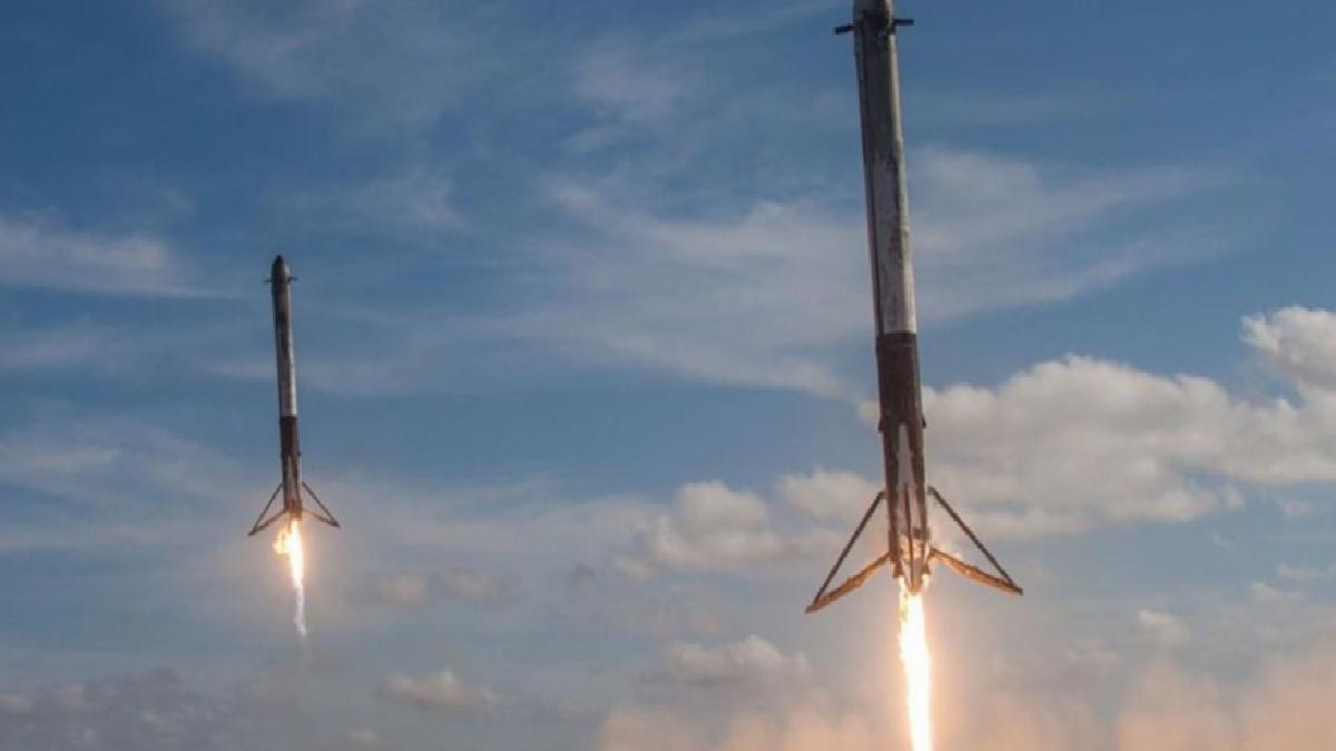 SpaceX'in fırlattığı Falcon 9 roketinin parçası, Washington'daki tarlaya düştü