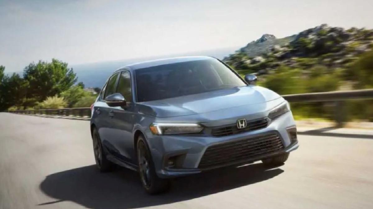 Yeni Honda Civic Sedan sade tasarımıyla tanıtıldı