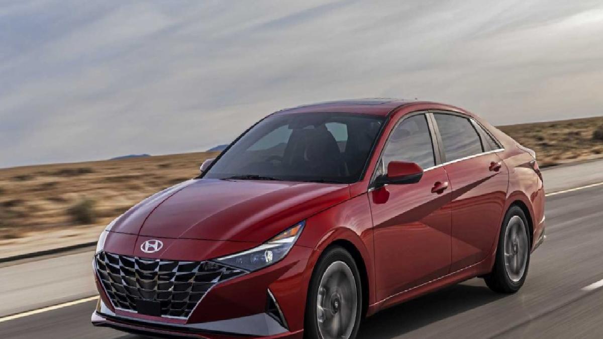 Yeni Hyundai Elantra Türkiye'de satışta: İşte fiyatı