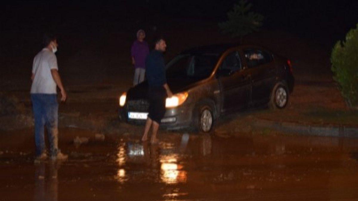 20 dakikalık sağanak yağış, Malatya'yı felç etti