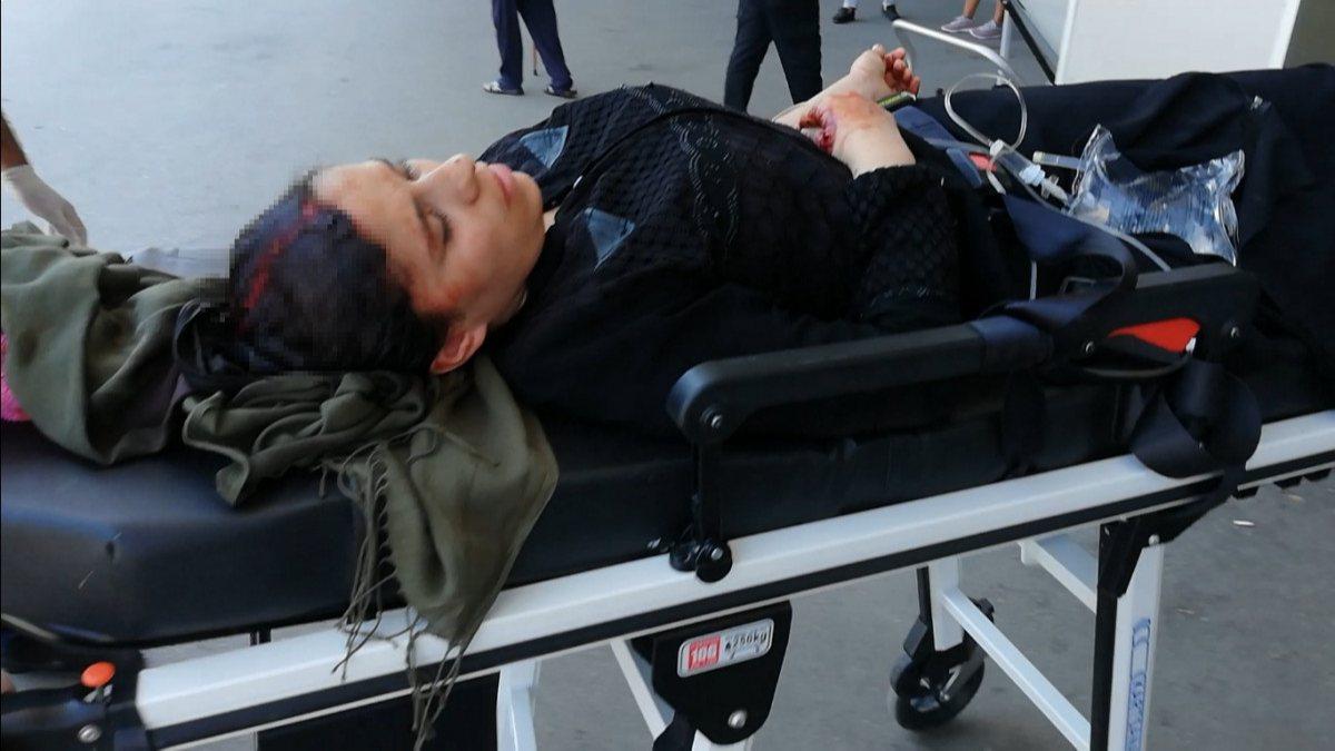 Adana'da Suriye uyruklu koca, evi terk eden eşini darbetti