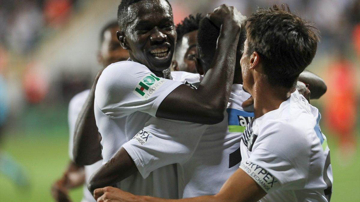Altay, sahasında Kayseri'ye 3 gol attı