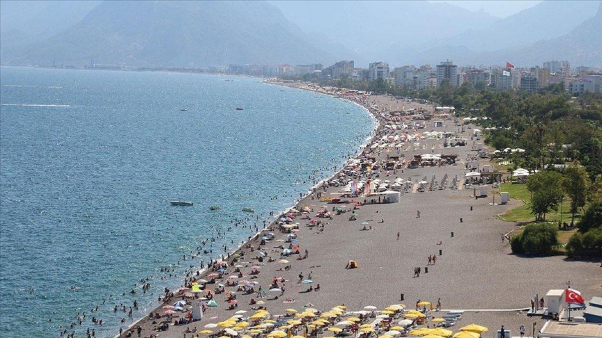 Antalya 7 ayda 3 milyon 396 bin turist ağırladı