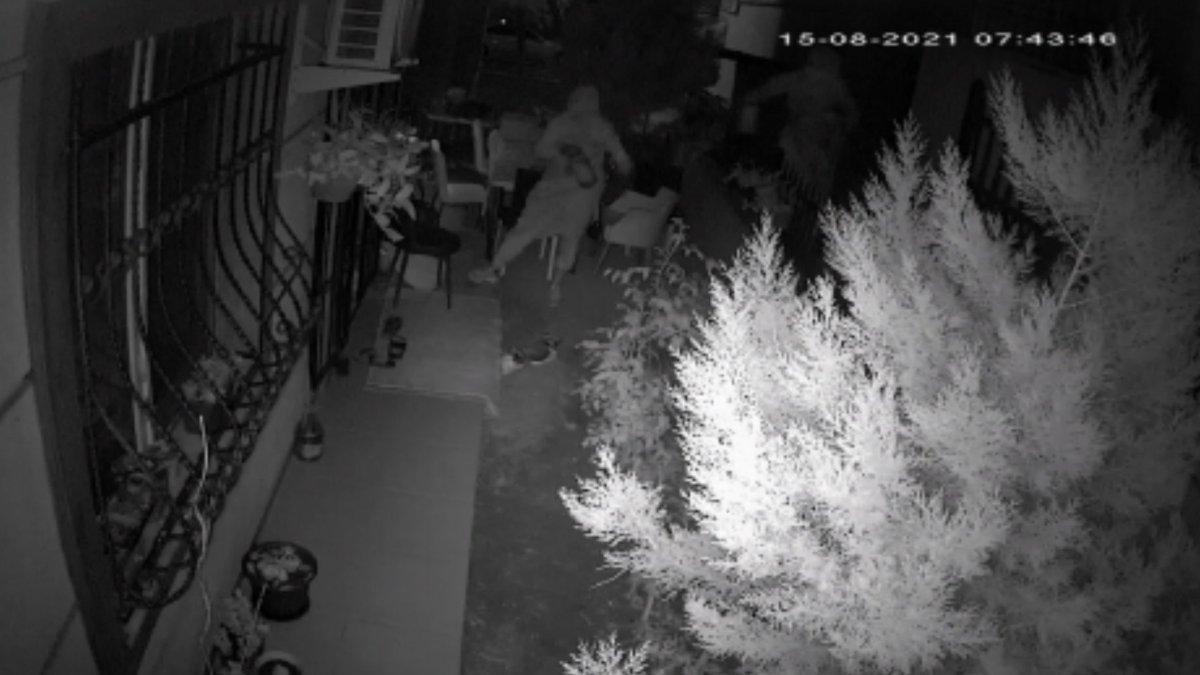 Avcılar'da kadın hırsızlar turşu çaldı