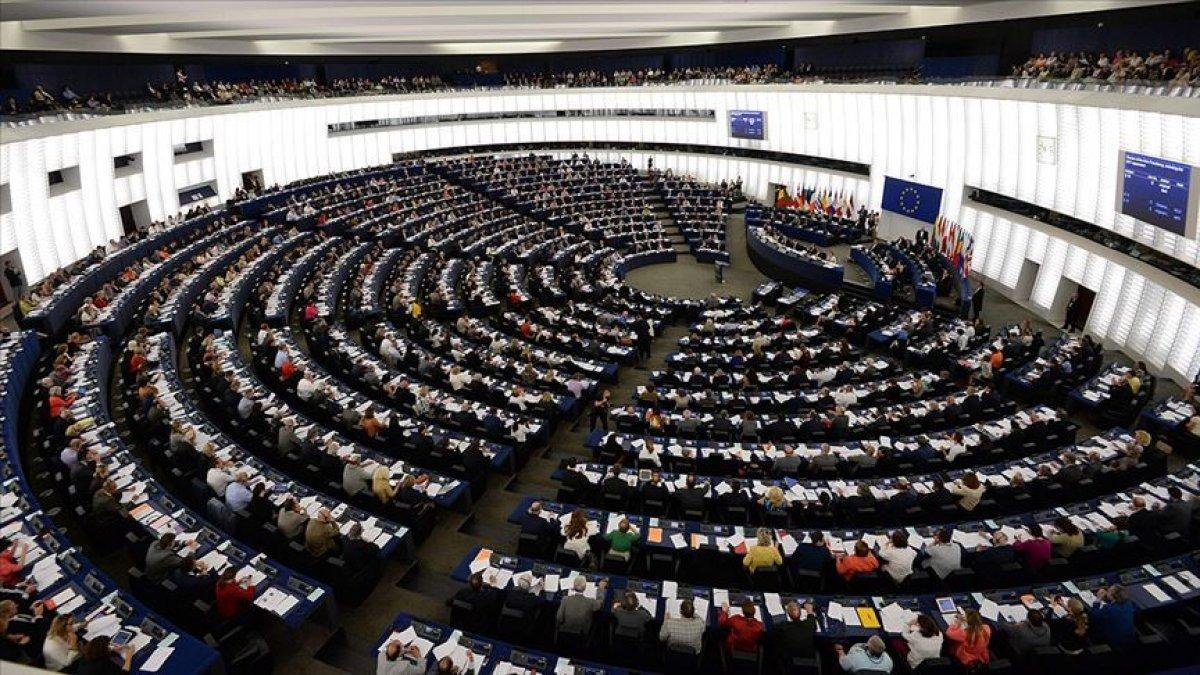 Avrupa Parlamentosu'ndan Afgan kadınları ve kız çocuklarıyla ilgili açıklama