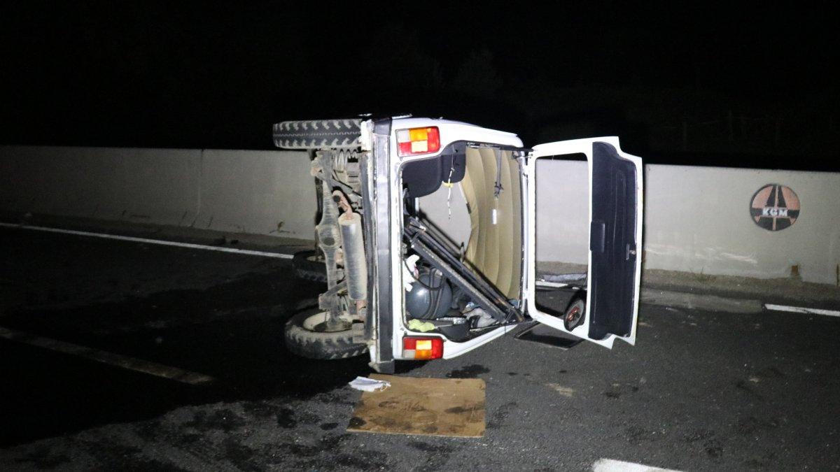 Bolu'da tır ile otomobil çarpıştı