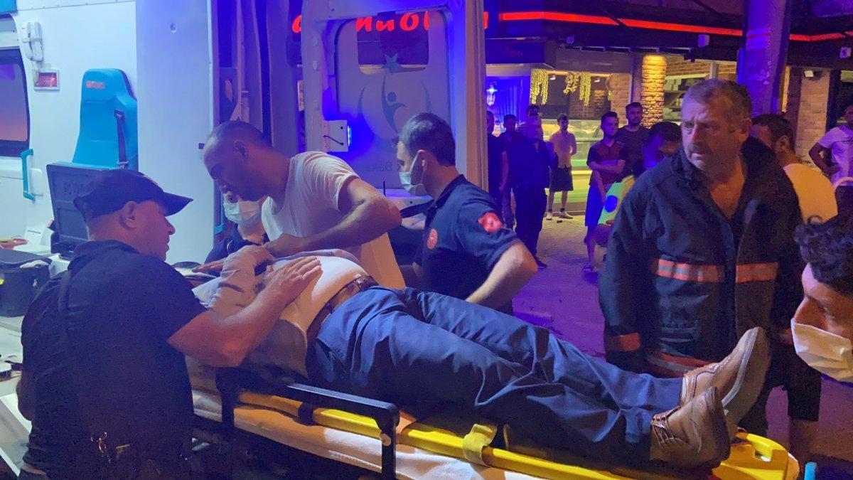 Bursa'da ticari taksi ile yabancı plakalı araç çarpıştı: 2 yaralı