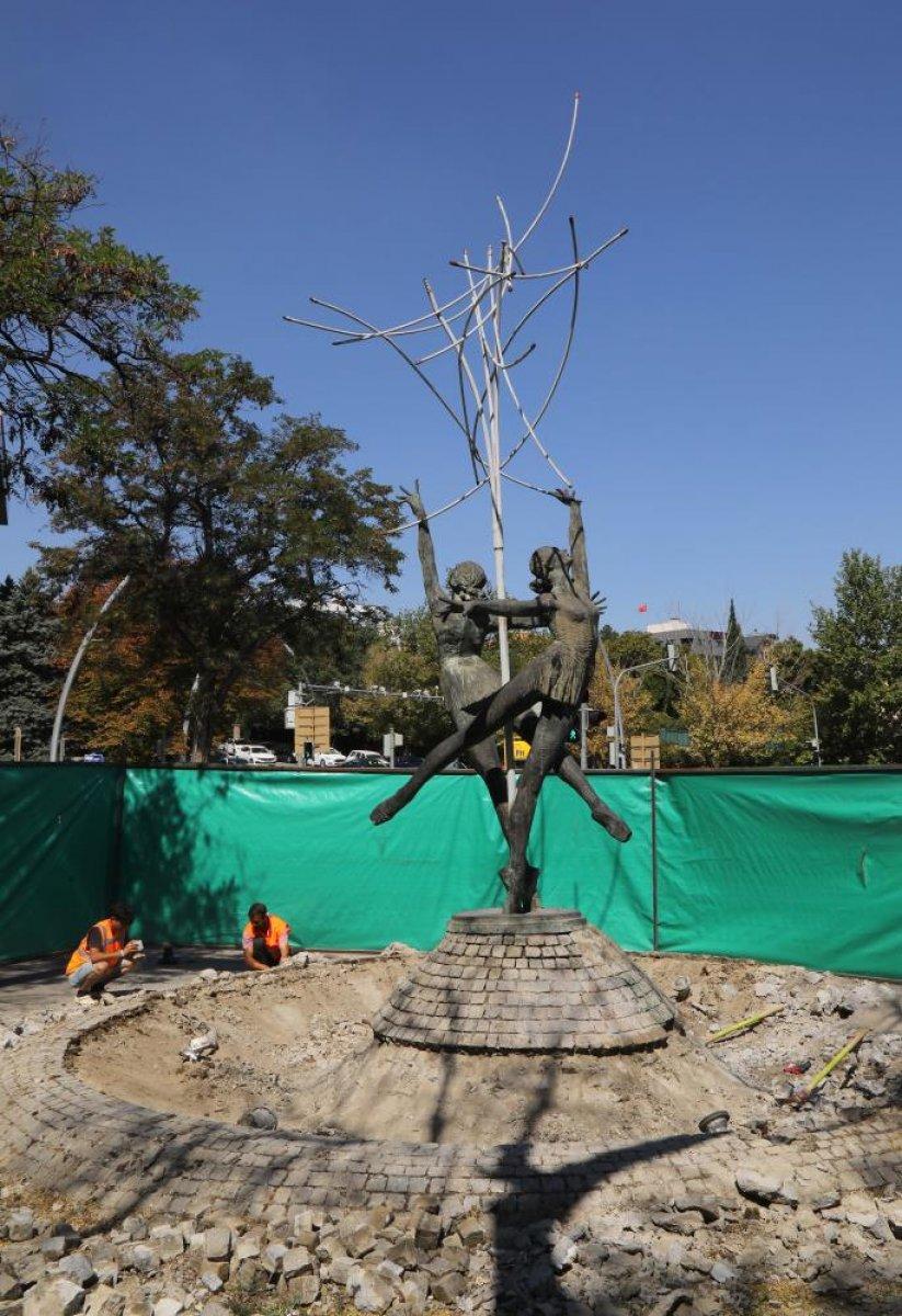 CHP, Çankaya da eskiyen heykeli bakıma aldı #2