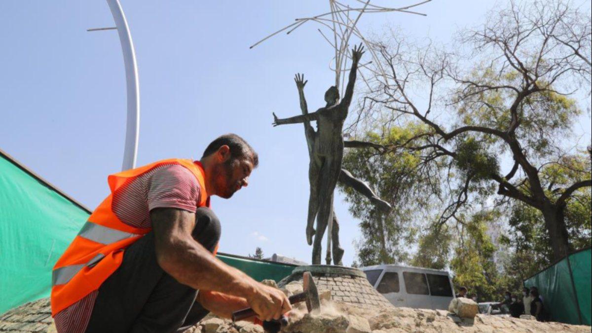 CHP, Çankaya'da eskiyen heykeli bakıma aldı