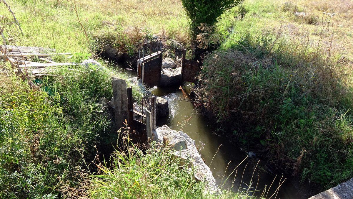 Edirne de sulama kanalı hasarlı olunca köylü zarar gördü #3