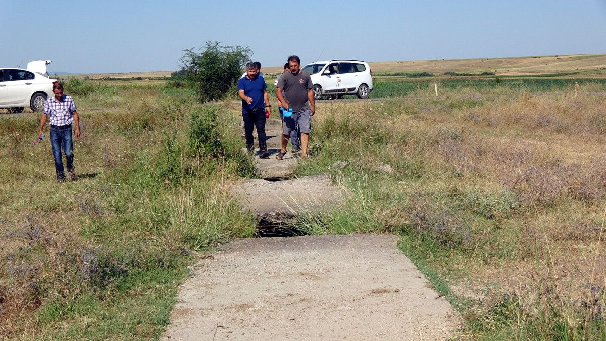 Edirne de sulama kanalı hasarlı olunca köylü zarar gördü #4
