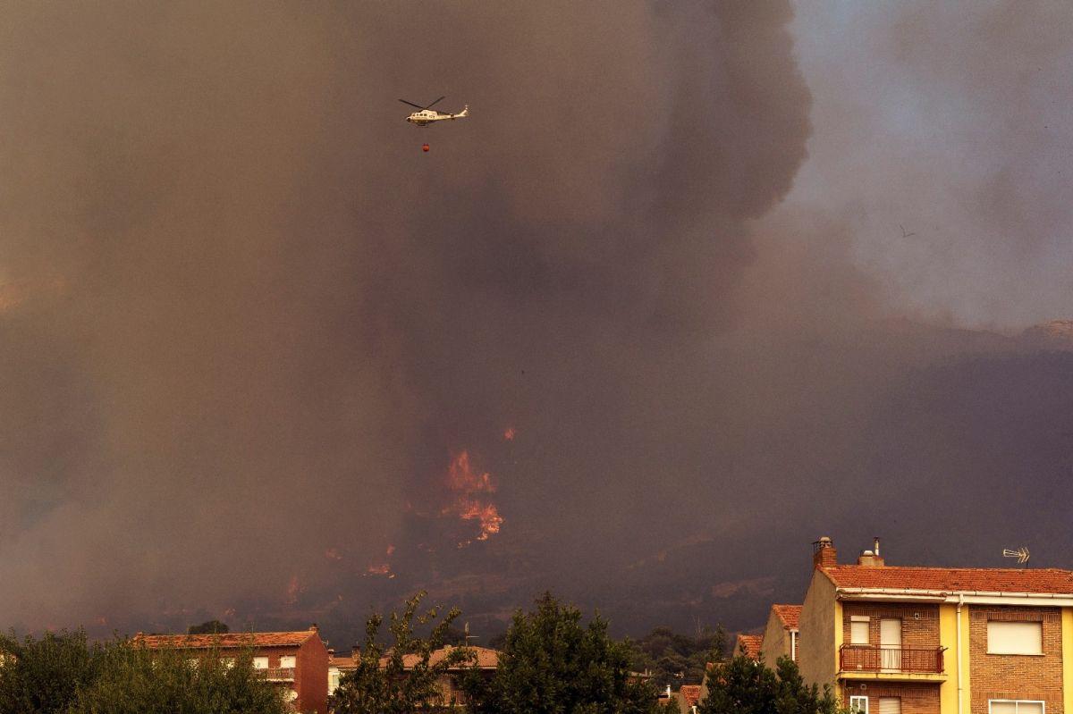 İspanya da 12 bin hektarlık ormanlık alan küle döndü #6