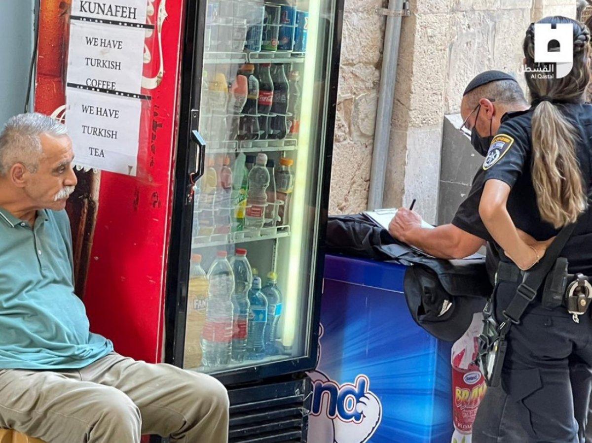 İsrail de, dükkanına Erdoğan fotoğrafı asan esnafa para cezası #1