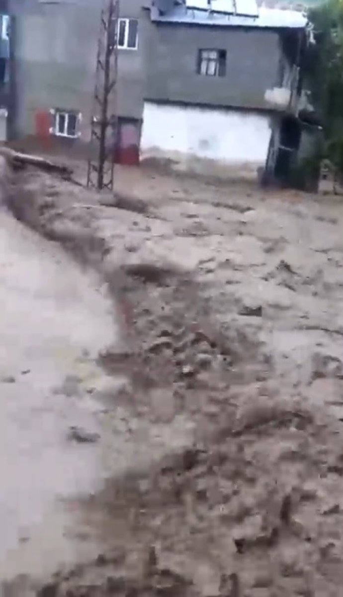 Kars'ın Sarıkamış ilçesindeki köyde sel baskını #1
