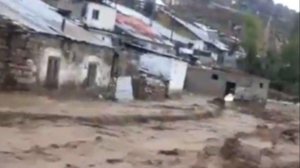 Kars'ın Sarıkamış ilçesindeki köyde sel baskını