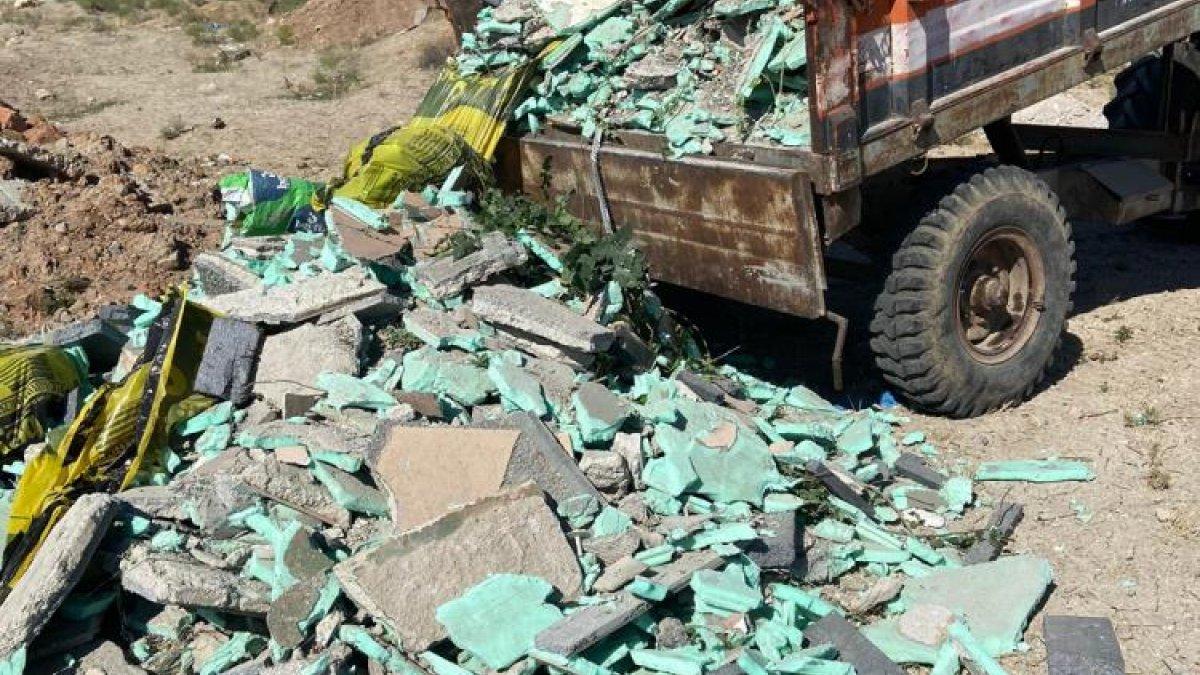 Kırıkkale'de çevreye moloz döken şahıslara ceza