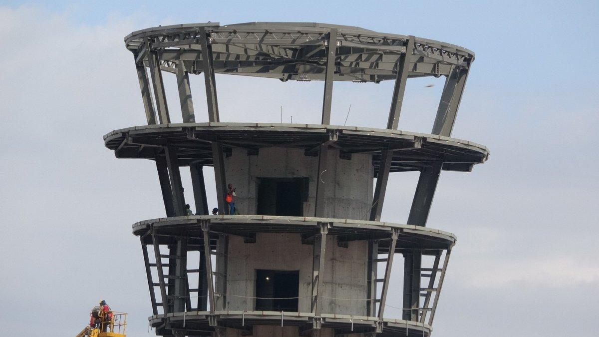 Rize-Artvin Havalimanı'nın uçuş kulesi ortaya çıkmaya başladı