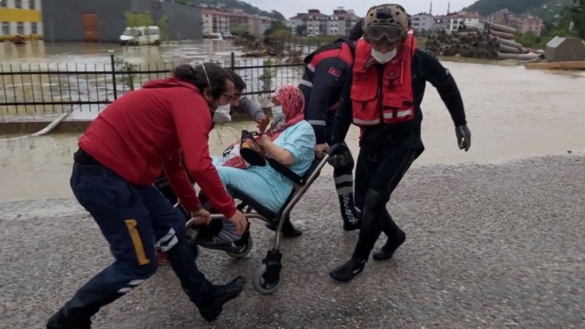 Sinop ve Kastamonu'da TSK, arama kurtarma çalışmalarını sürdürüyor