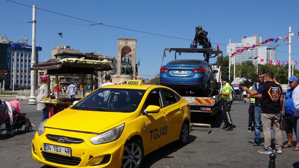 Taksim'de çantasını takside unutan turist, eksik para için taksiciyi şikayet etti