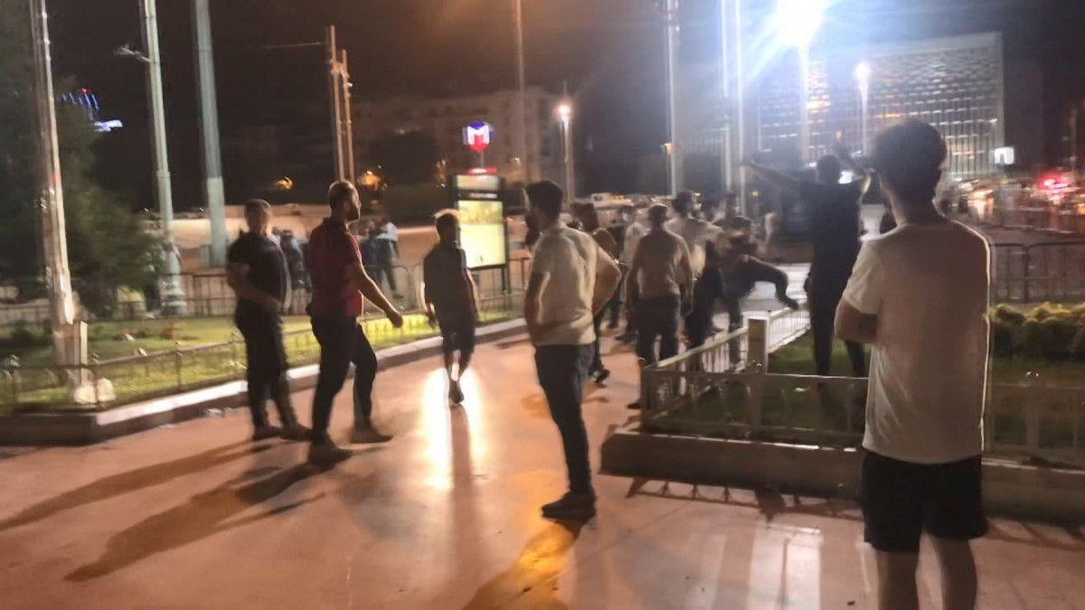 Taksim de tekme tokat meydan kavgası #1