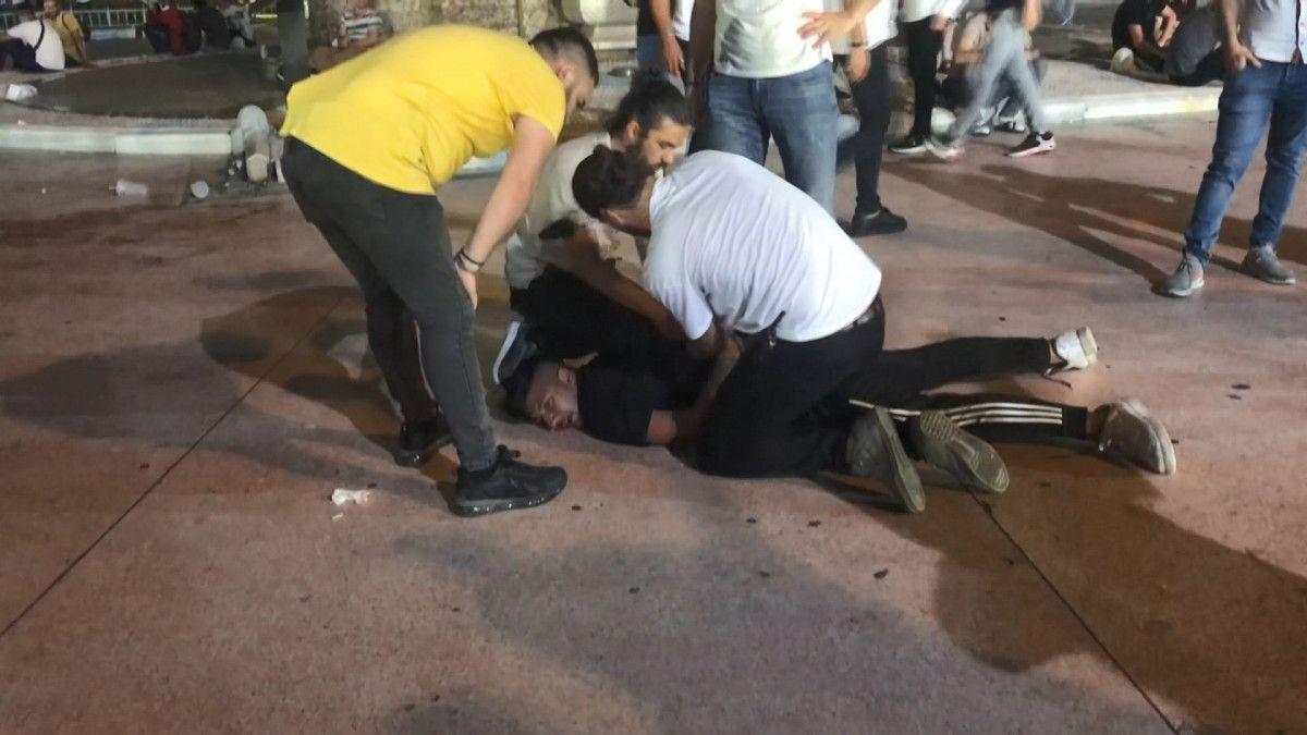 Taksim de tekme tokat meydan kavgası #2