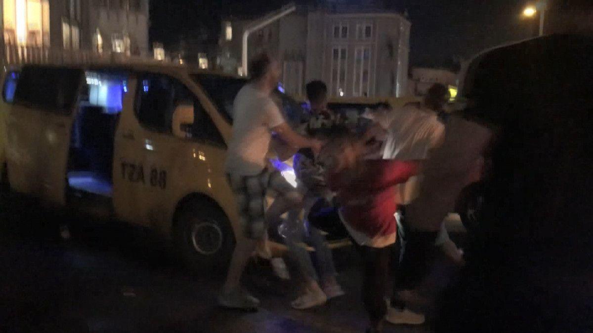 Taksim de tekme tokat meydan kavgası #3