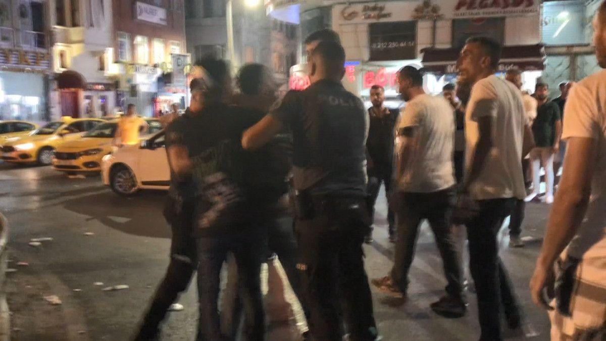 Taksim de tekme tokat meydan kavgası #5