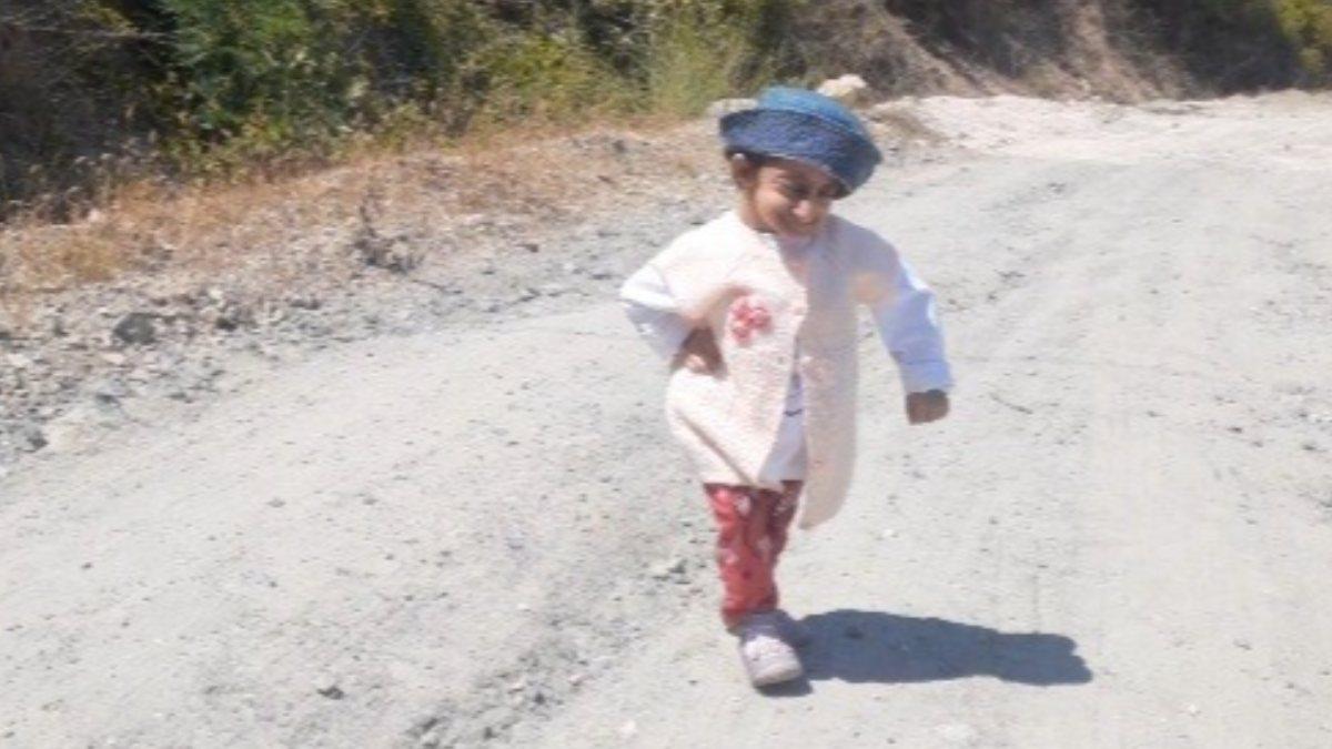 Türkiye'nin en kısa boylu kadını: Yokuşları çıkamıyorum
